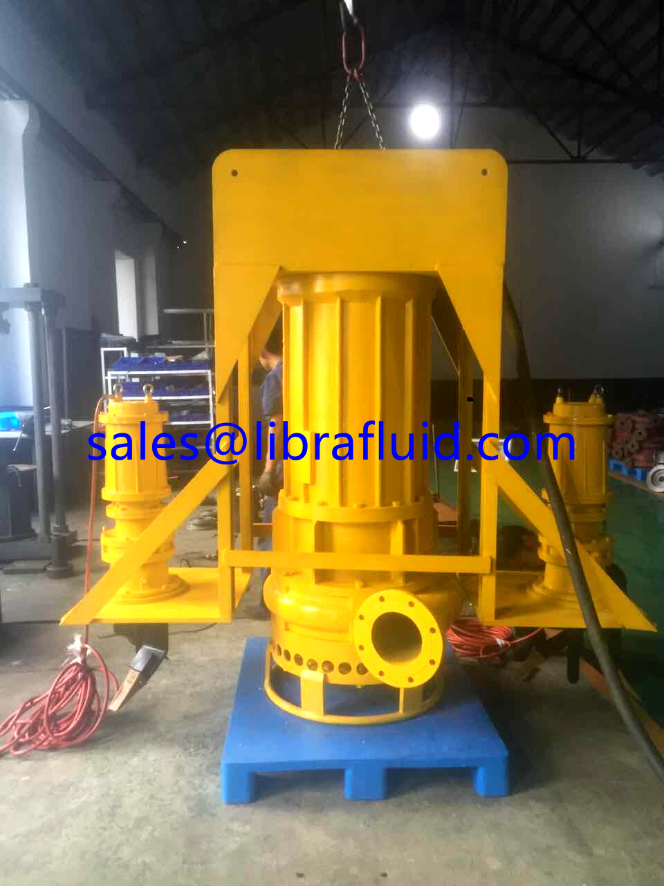 110Kw submersible slurry pump with excavator