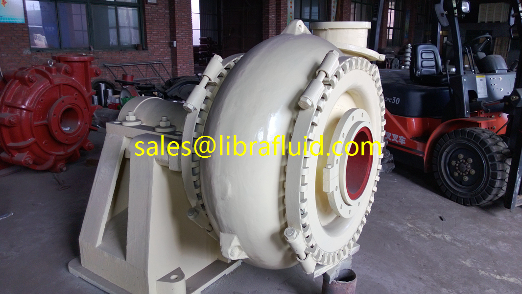 Single casing horizontal sand pump